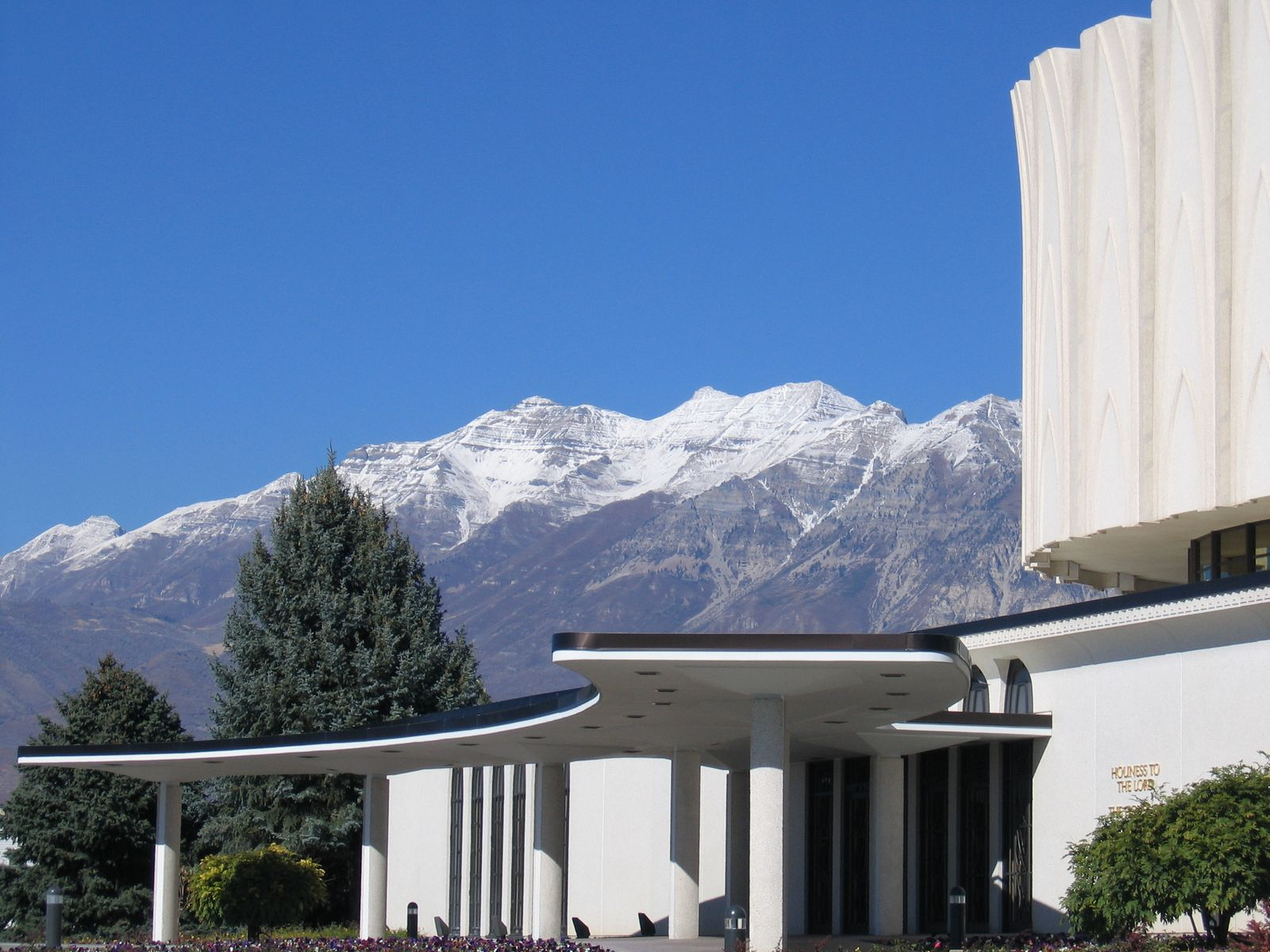 Mountains behind the Provo Temple