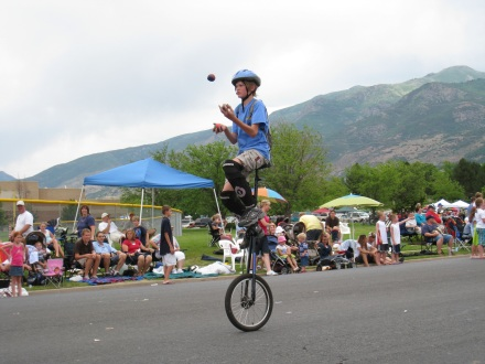 Juggling while riding a unicycle