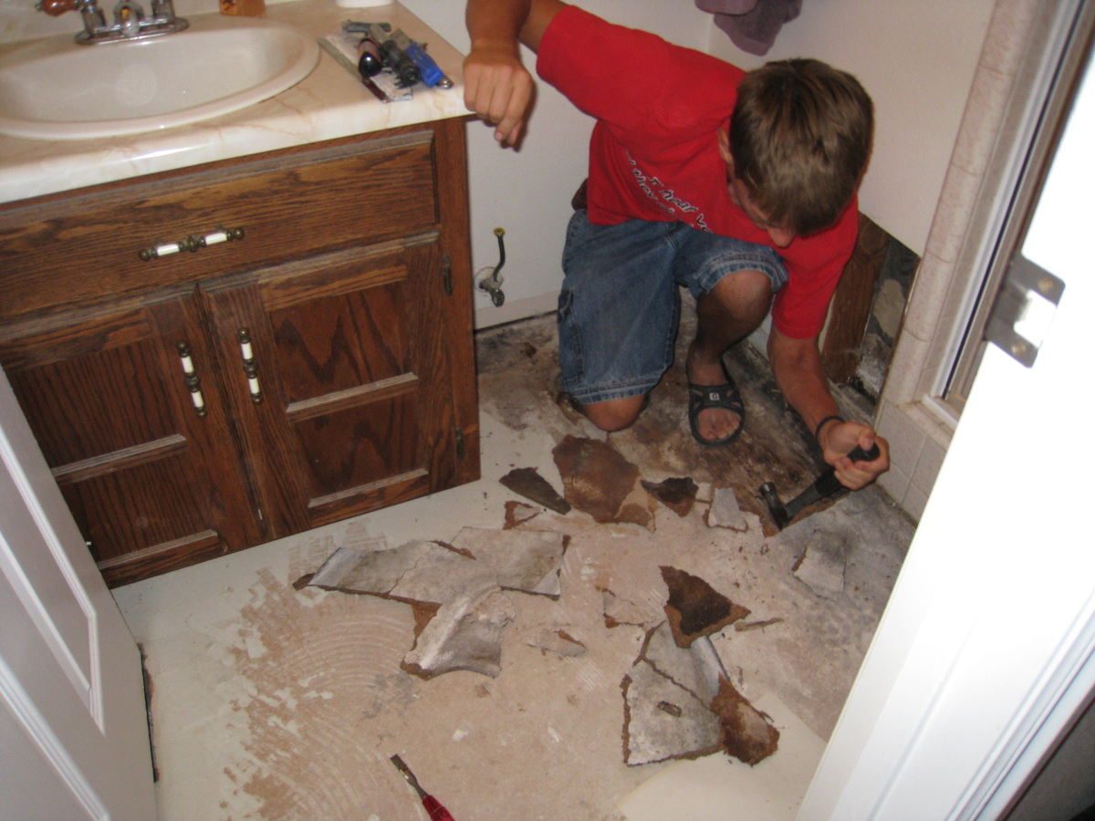 How to replace a bathroom subfloor 28 images ten ideas for Replace bathroom subfloor