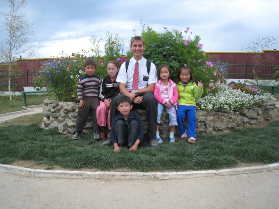 Daniel with Mongolian children.