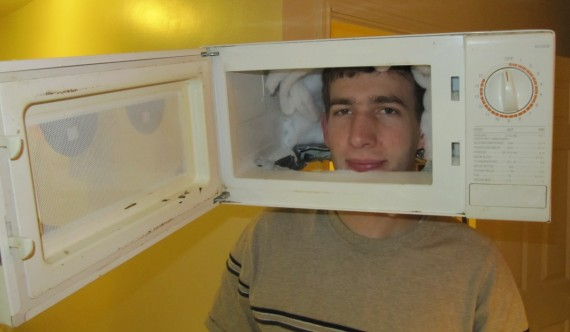 Mama, I can't warm my pizza cos Paul is in the microwave!