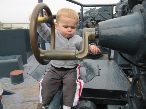 Battleship Texas Bryson operates gun