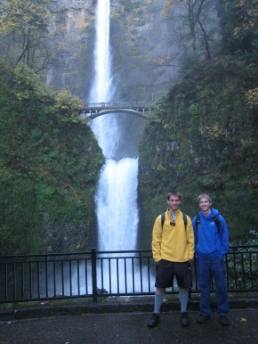 Multnomah Falls from the bottom