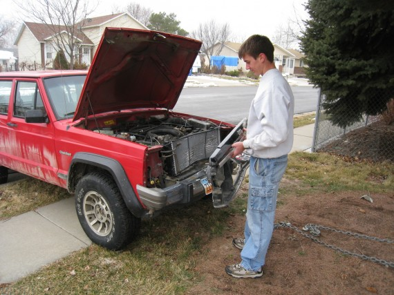 Removing the Jeep grill