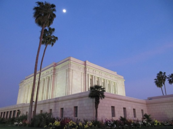 Mesa Easter Pageant and the temple
