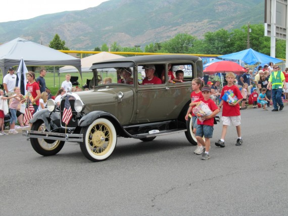 Kaysville July 4th Parade car