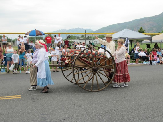 Kaysville July 4th Parade handcart