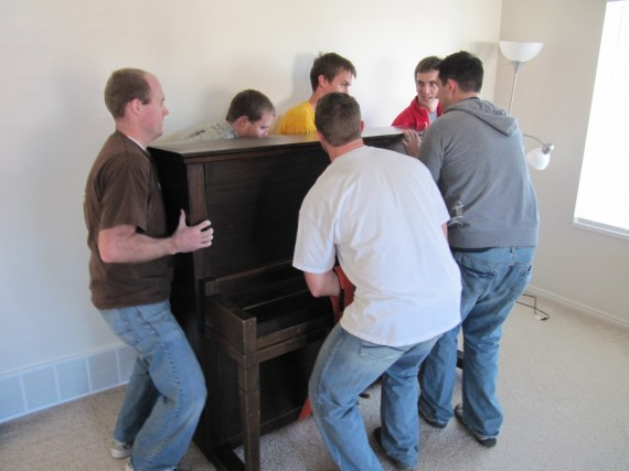 Moving in the piano.