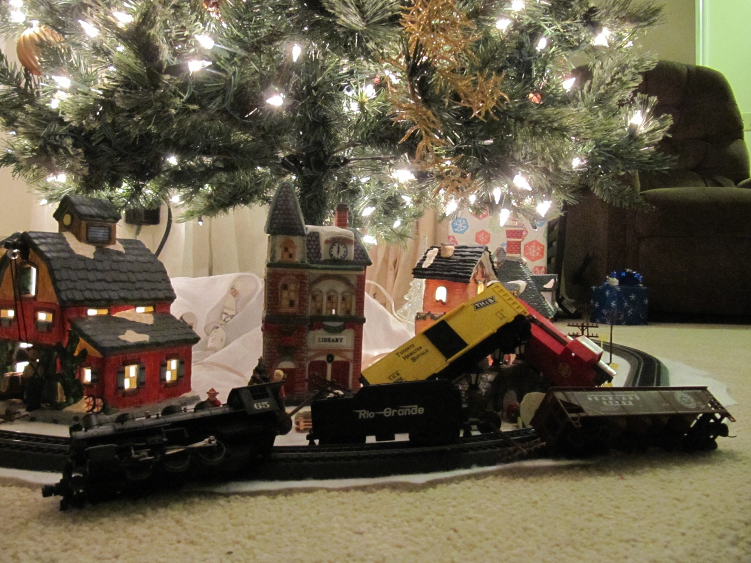Train On Christmas Tree